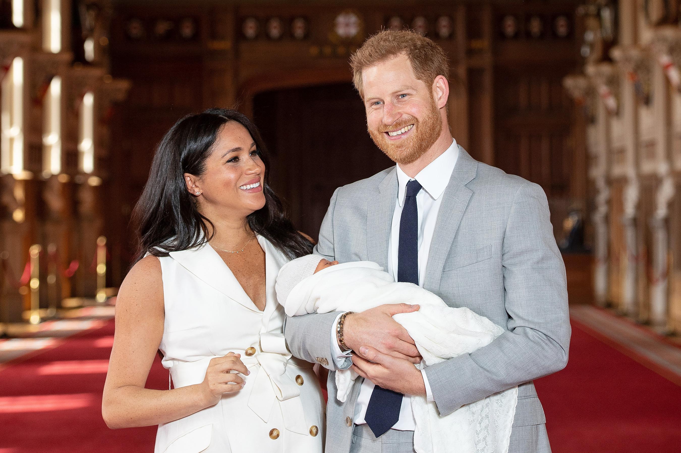 #RoyalGossip Putera Harry dan Meghan Markle 'Dibuang' Istana? Apa Status Mereka? Ini Kronologinya