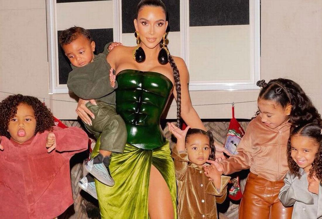 kim kardashian hulk schiaparelli